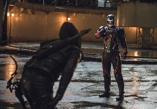 """Arrow -- """"Suicidal Tendencies"""" -- Image AR317B_0296b -- Pictured (L-R): Stephen Amell as Oliver Queen / The Arrow and Brandon Routh as Ray Palmer / The Atom -- Photo: Cate Cameron/The CW -- © 2015 The CW Network, LLC. All Rights Reserved."""