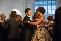 GOTHAM: Selina (Camren Bicondova, L) and Bruce (David Mazouz, R) dance at a charity event in the ÒUnder the KnifeÓ episode of GOTHAM airing Monday, April 20 (8:00-9:00 PM ET/PT) on FOX. ©2015 Fox Broadcasting Co. Cr: Jessica Miglio/FOX