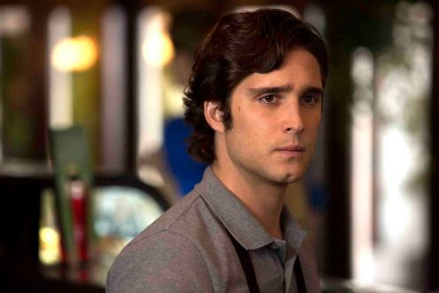 """SCREAM QUEENS: Diego Boneta as Pete in """"Pilot,"""" the first part of the special, two-hour series premiere of SCREAM QUEENS airing Tuesday, Sept. 22 (8:00-10:00 PM ET/PT) on FOX. ©2015 Fox Broadcasting Co. Cr: Steve Dietl/FOX."""