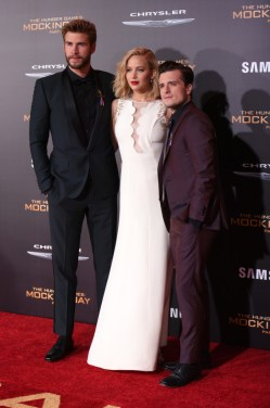 PHOTOS: 'Mockingjay Part 2' L.A. Premiere + Suzanne Collins Writes Open Letter to 'The Hunger Games' Cast, Crew, & Fans