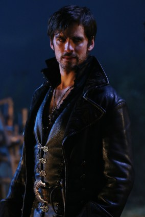 "VIDEO/PHOTOS: Preview 'Once Upon a Time' Season 5 Winter Finale ""Swan Song"""