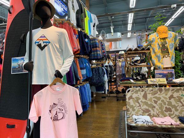 WEST新潟店 1階コーナーでは春夏ウェアや登山用品の他に例年よりも水遊びギアも充実してます。