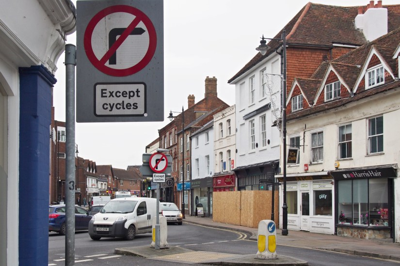 Cheap Street, Newbury - cyclists exempt from banned right turn