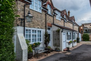 Holiday Accommodation in Westbourne. Sparken Holiday Cottages. West Cliff Road, Westbourne