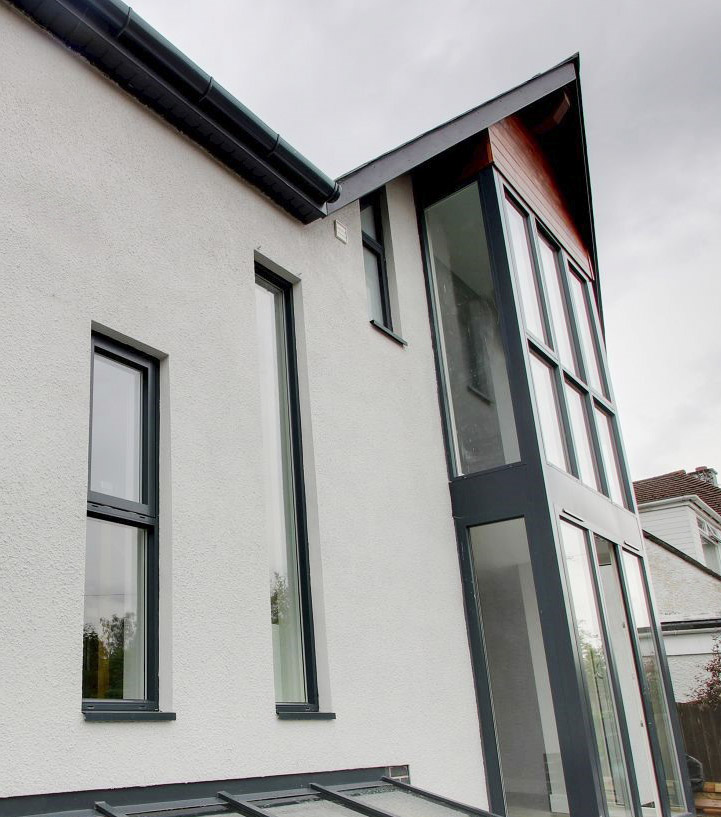 Avista Window Systems install Westcoast Swedish composite windows to enhance contemporary new build in Newport