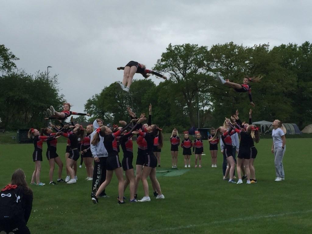 Holmer Cheerleading