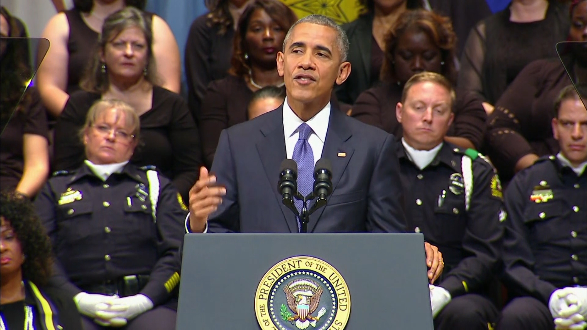 Obama at Dallas Memorial 1920