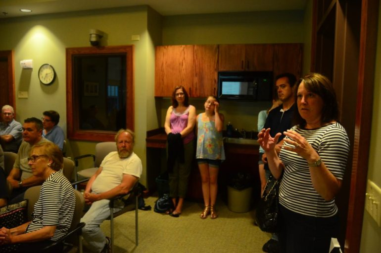 The crowd at the Hunting Policy Committee on June 26.