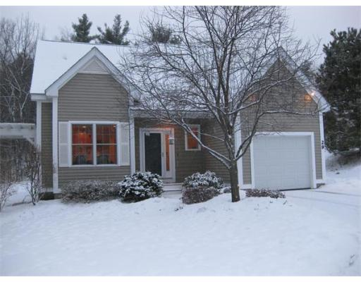 29 Stone Ridge Rd., $404,900; 2 beds, 2.5 baths, sold on June 11, sold by the Green Realty Group