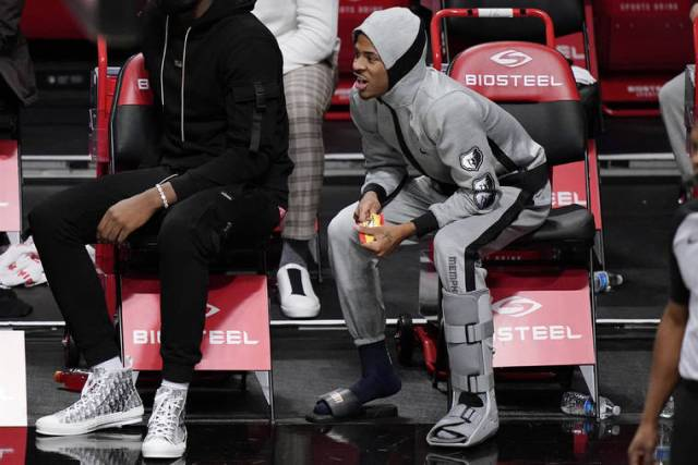 NBA capsules: Morant hurts ankle but Grizzlies top short-handed Nets in OT