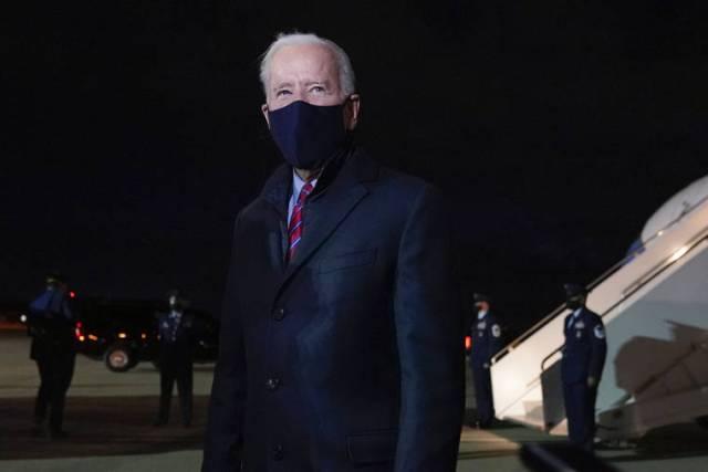 Biden says 'erratic' Trump shouldn't get intel briefings