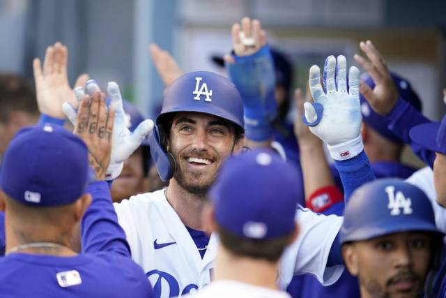 Dodgers erupt for 11 runs in 1st inning, beat Cardinals 14-3