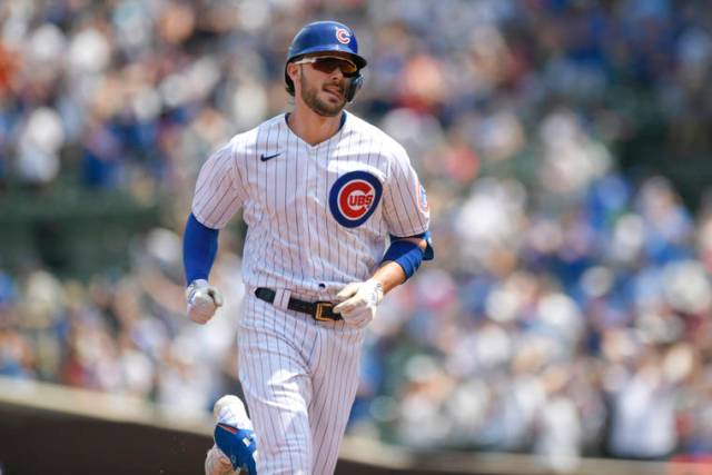 Giants land Kris Bryant from Cubs just before deadline