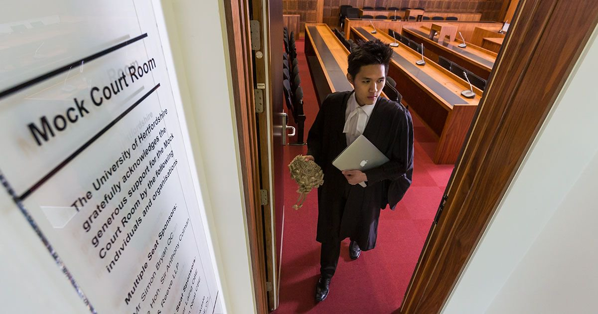 LLB Extended Degree (Initial Year) Law - West Herts College