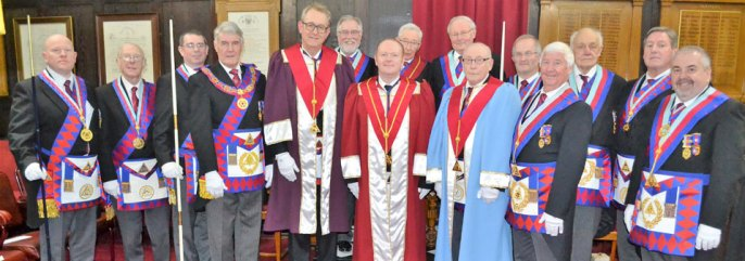 The three principals (centre), surrounded by an array of Provincial grand officers.