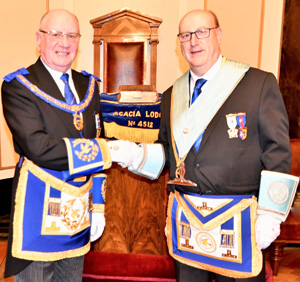Pictured from left to right, are: David Grainger and Graham Robinson.