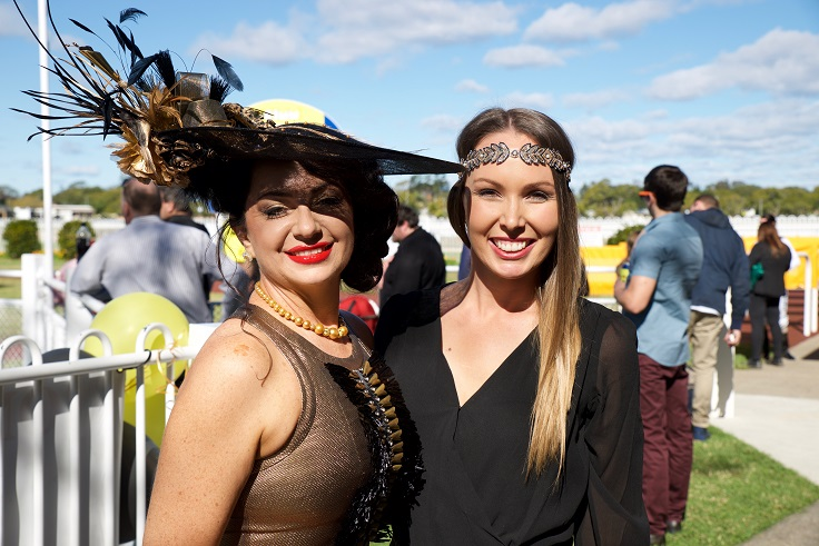 2016 Fashions on the Field winner Sharlmane Gold with Sarah