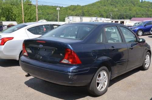 small resolution of 2003 ford focus se sedan 4d full