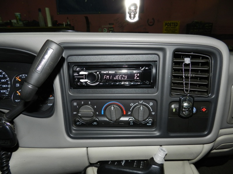 Amp Wiring Diagram For 2001 Chevy Suburban On 2001 Suburban Audio Upgrade Adds New Technology