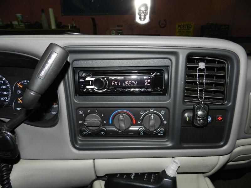 Gmc Sierra Stereo Wiring Diagram 2001 Suburban Audio Upgrade Adds New Technology