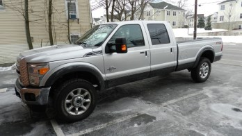 2015 F350 Gets Power Side Step and Bed Cover Upgrades