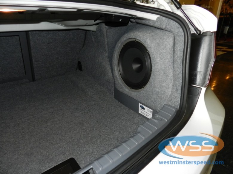Audison Voce Subwoofer in BMW