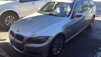 Backup Camera Integrated Into Factory Screen BMW 328xi