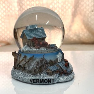 Sugar Shack Snowglobe