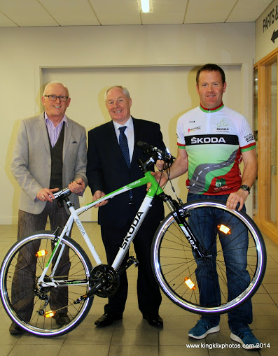 Pictured at the launch of the Westportif 'Ring of the Reek' leisure cycle 2015 were (left-right) Dermott Langan (Smarter Travel), Michael Ring TD and Brian Golden (Western Lakes Cycling Club) Photographer Liz King