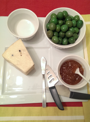 Pecorino with fig jam and green olives