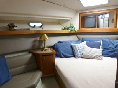 1996 Bayliner 3587 Aft Cabin Motor Yacht