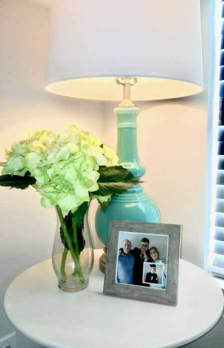 Want to change the look of your home without spending a dime? Did you know things displayed in odd numbers are usually more pleasing to the eye? Read more to learn the Decor Rule of Three and how using it can make your home look professionally styled. | We Three Shanes