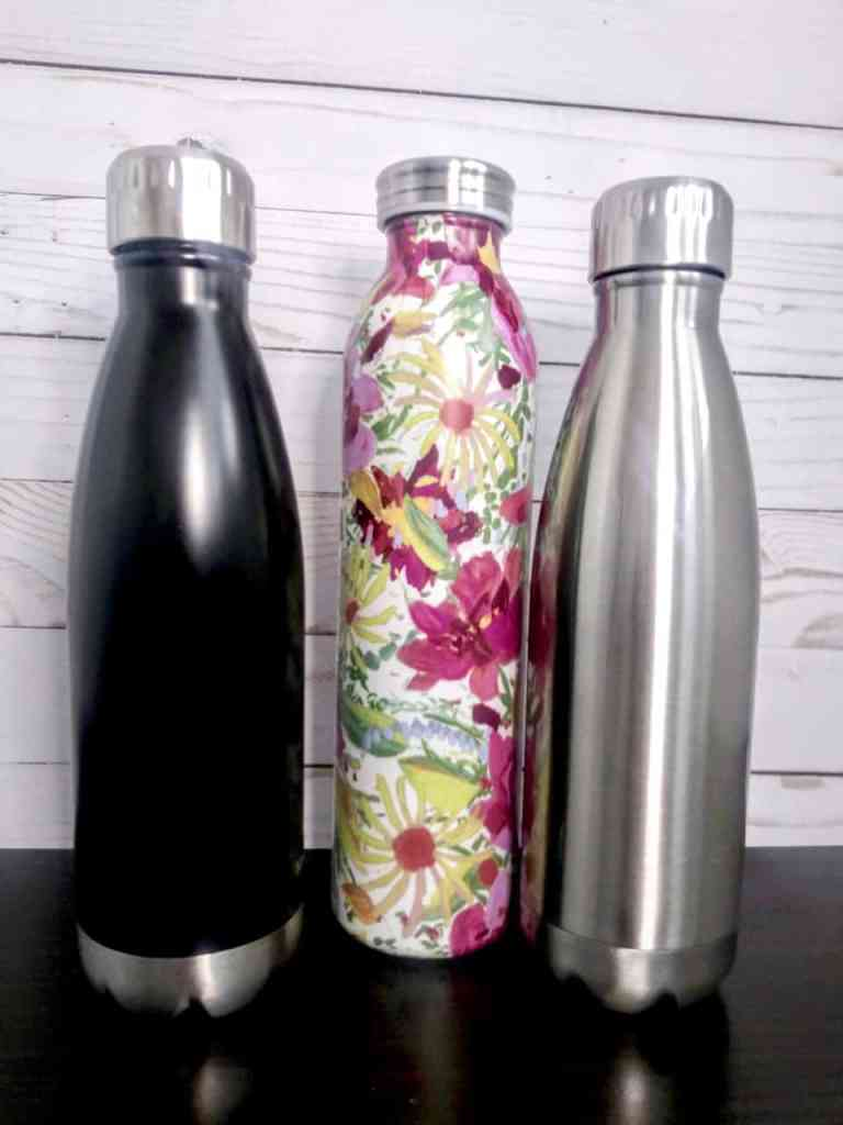 Americans send more than 38 Billion plastic water bottles to landfills every year! Make the switch to reusable water bottles to cut back on single-use plastic. | We Three Shanes