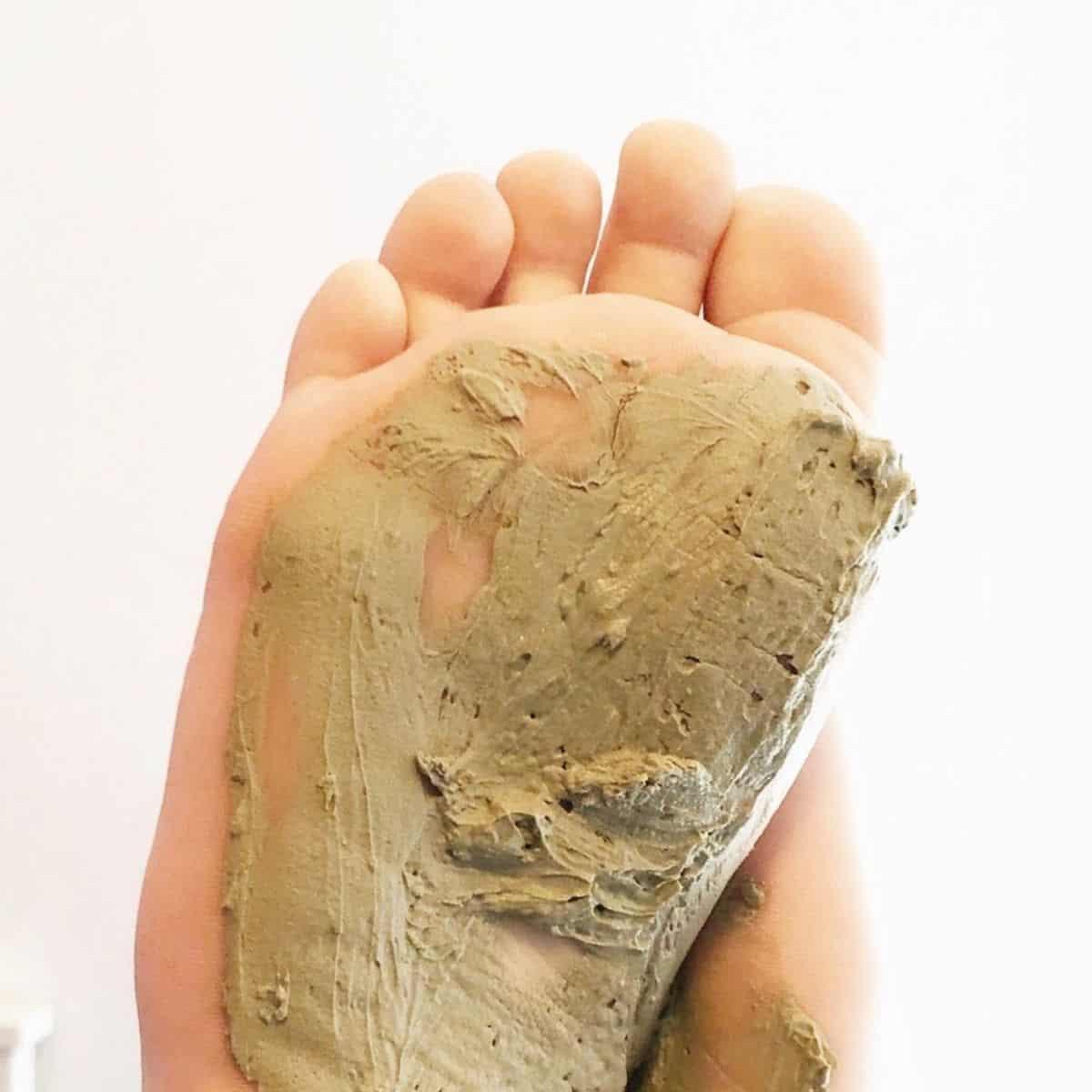 DIY Detox Clay Foot Mask & Soak Recipe