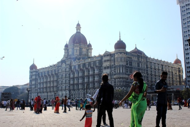 Travel mumbai with friends