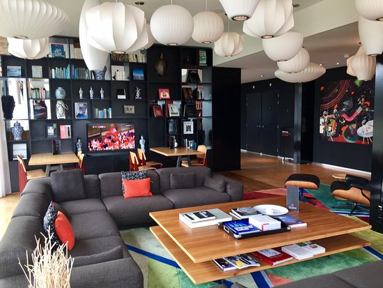 citizenm-schiphol-airport
