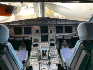 Flight deck Airbus Le Compagnie A321 neo