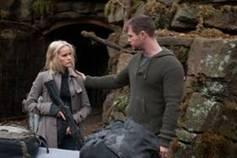 Erica (Isabel Lucas) und Jed (Chris Hemsworth)