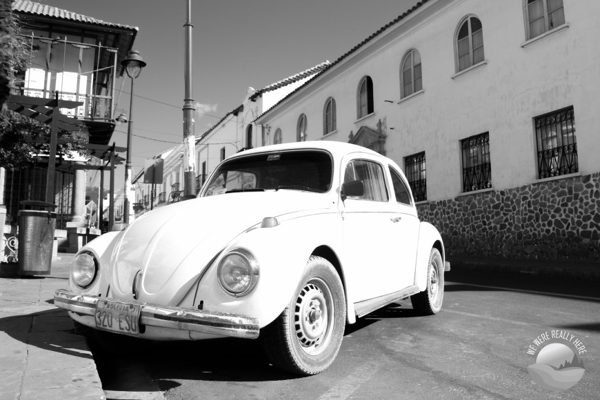 Sucre streets, old car