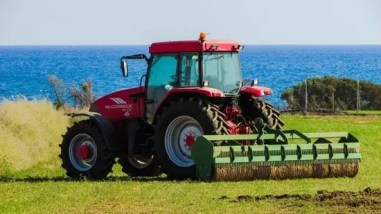 Tractor Transport, Tractor Hauling, we will transport it tractor transport