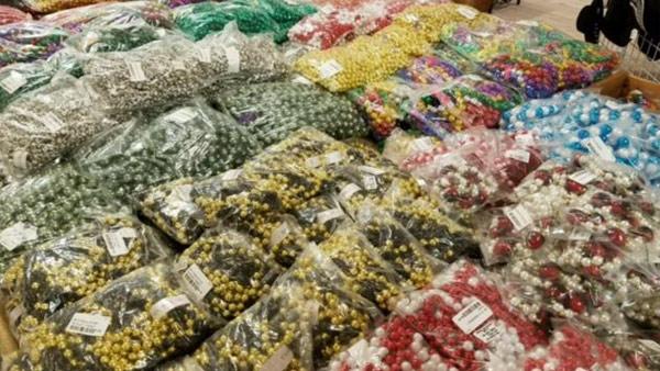 r-gasparilla-beads-web_bkg__285295