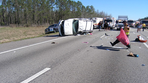 4 people ejected from SUV in crash on I-4 in Polk Co , 2-month-old
