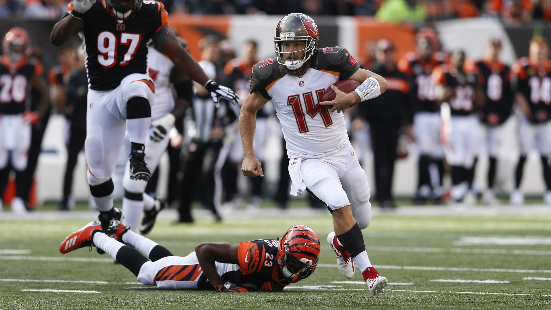 e5e5f0d1 Fitzpatrick to start for Bucs in Week 9 against Panthers