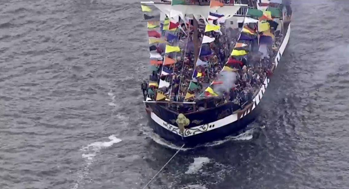 pirate ship cannon smoke best_1548536115812.JPG.jpg