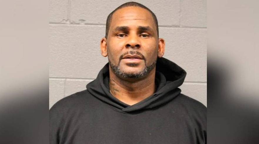 Judge gives R  Kelly chance to go free while awaiting trial