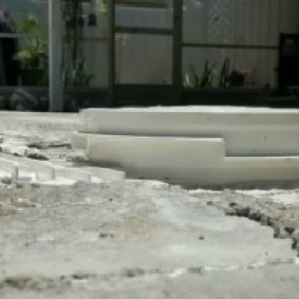 7dfb11c66a6 Pool company accused of ripping off customers lacks local licenses ...