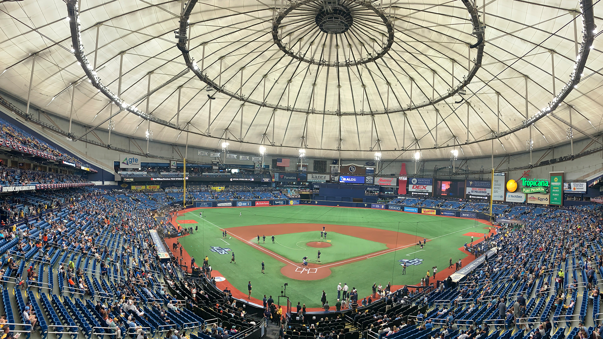 Family travels 4 hours to St. Pete to watch Rays playoff game