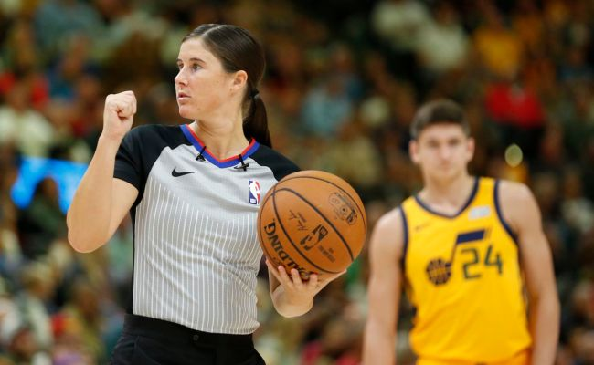 Nba Promotes 5 Refs Including 2 Women To Full Time Status