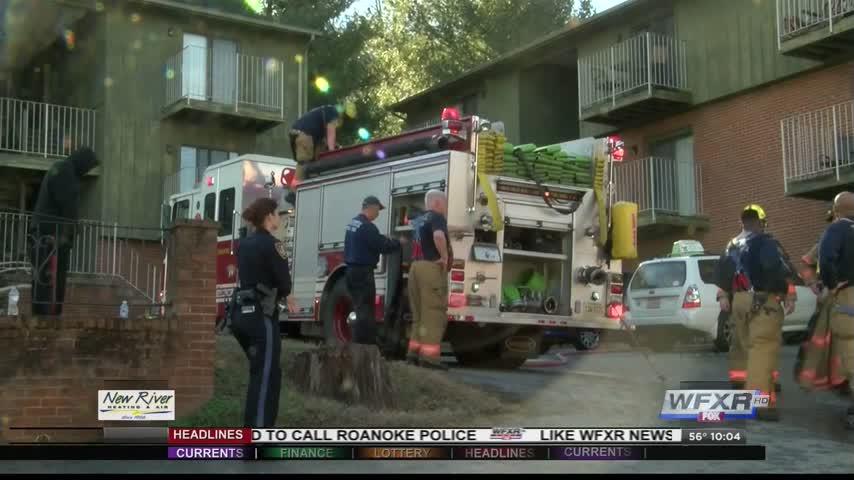 Apartment fire in Roanoke_89321617