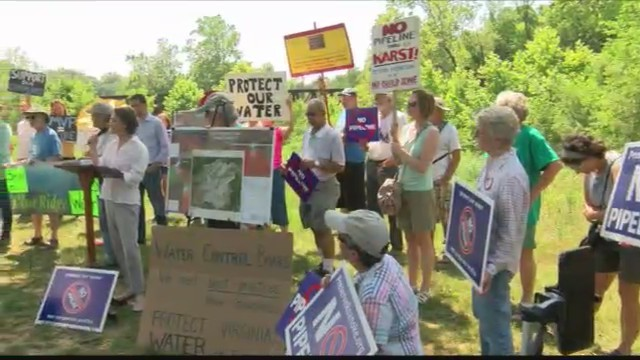 Pipeline_protesters_meet_in_Wasena_Park_0_20180619022403